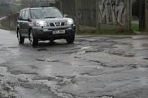 Poničené silniční úseky v Rousínově, Vážanech nad Litavou, Bohdalicích a na Zouvalce.