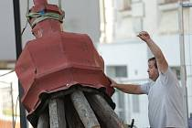 Ve Slavkově u Brna opravují střechu Bonaparte, oprav se dočká i věžička.