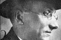 Kněz a literát Jakub Deml. Jeho prvním kněžským působištěm byl po vysvěcení v roce 1902 Kučerov na Vyškovsku.