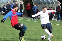 V přípravném fotbalovém utkání na umělé trávě ve Vyškově prohrál ligový MFK Vyškov s divizními Rosicemi 1:2.