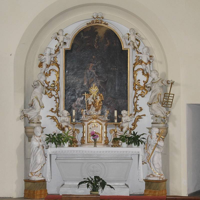 Interiér kostela Nanebevzetí panny Marie v Bučovicích.