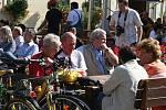 Slavkovské oslavy využili také organizátoři z mikroregionu Ždánický les a Politaví. Uspořádali letní cykloakci. Ve Slavkově ji slavnostně ukončili a účastníkům předali ceny.