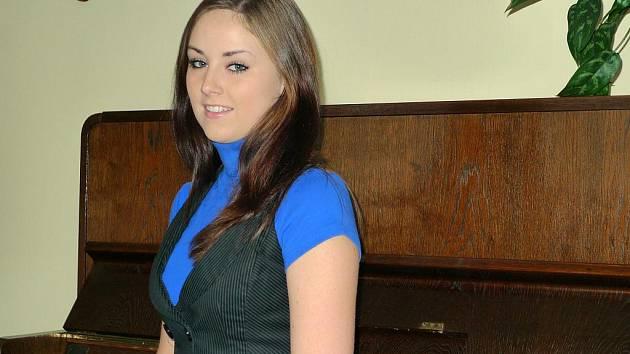 Ivana Holásková zpívala sólově, teď dává přednost sboru.