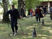 Letos se nemojanský sraz veteránů uskutečnil se závody na lyžích v zimním oblečení. O zábavu tak bylo postaráno.