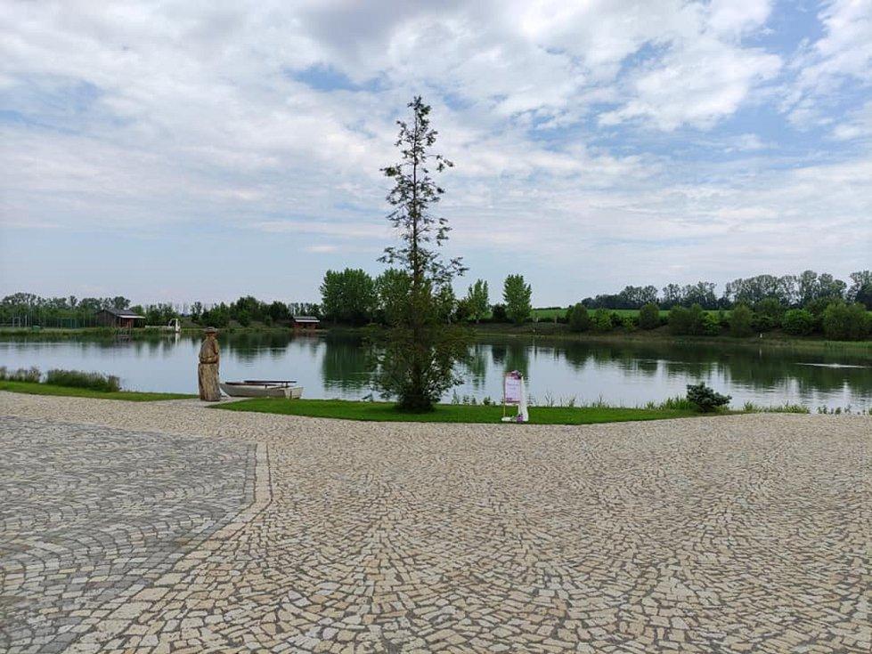 Výlet na Vyškovsko, kdy cílem byly Lysovice, Větrníky, Rostěnice a Bohdalice. Na snímku Lysovický rybník.