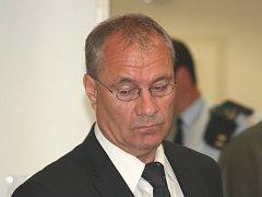 Bývalý starosta Vyškova Jiří Piňos před soudem.