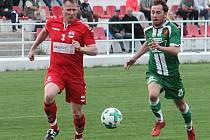 V semifinále krajského poháru porazili fotbalisté Startu Brno (červené dresy) Tatran Rousínov 4:1.