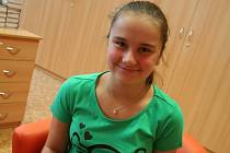 Čtrnáctiletá Tereza Studňařová je úspěšná moderní gymnastka.