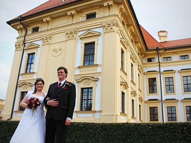 Oblíbeným místem pro uzavírání sňatků je na Vyškovsku i slavkovský zámek.