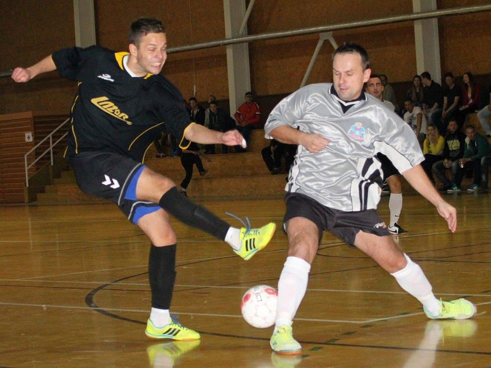 Ve vyškovském derby 11. kola futsalové divize porazil Lazor-Domus Pivovar 5:4.