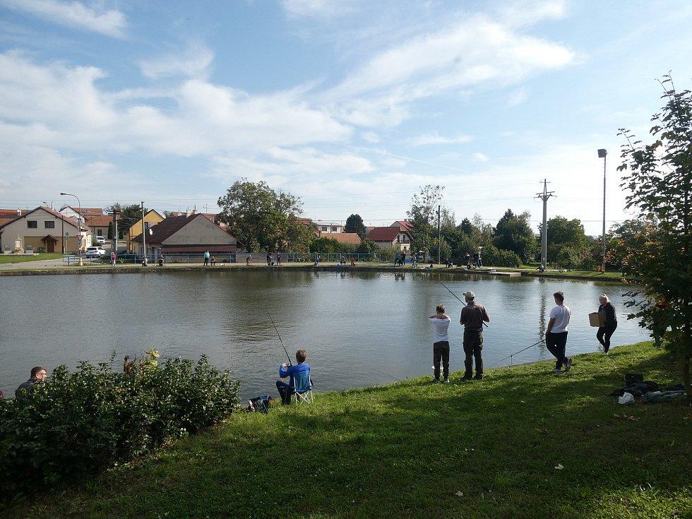 V sobotu 3. října pořádal Spolek Vítovický rybník veřejné rybářské závody pro děti i dospělé.