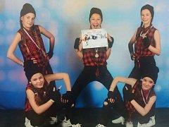 Tanečníci z N-yoj se zúčastnili soutěžeTaneční skupina roku 2016. V kategorii hip-hop malé skupiny získali druhé místo.