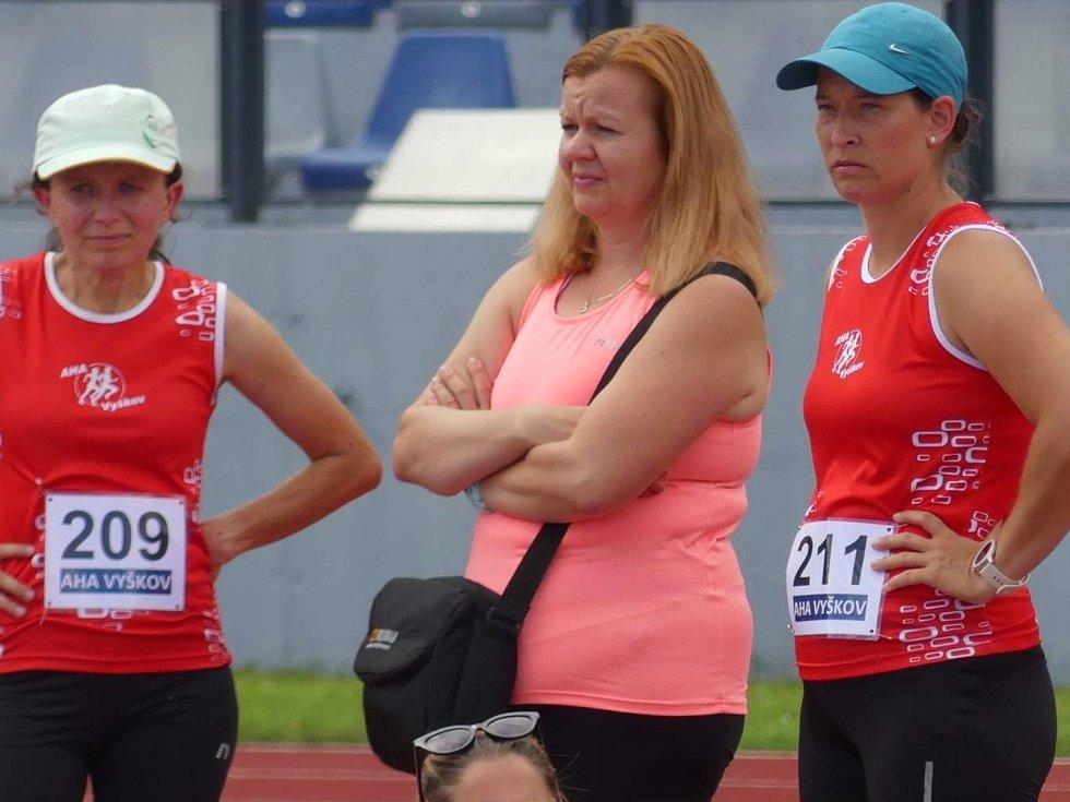 Kristýna Sedláková (vpravo), trenérka Vyškova 2020 z AK AHA.