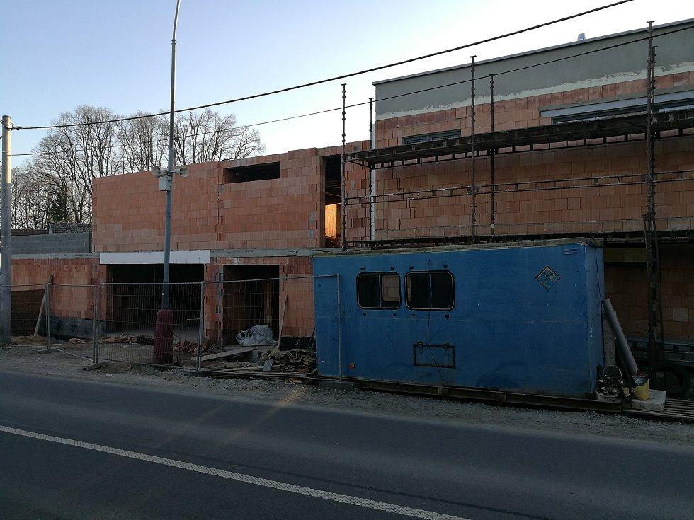Výstavba v Rousínově.