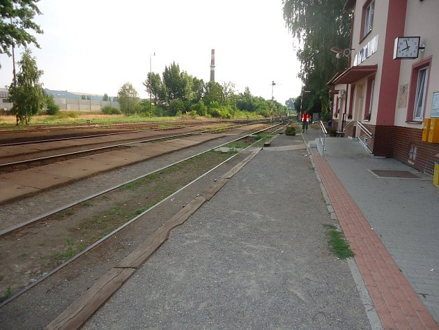 Vpondělí si cestující poprvé vyzkoušeli náhradní dopravu mezi Brnem a Nesovicemi vpracovní den.