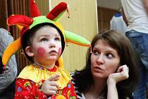 Sál kulturního domu v Němčanech v neděli rozezněl smích. Děti se bavily při soutěžích, diskotéce i tombole.