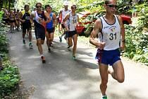 Vítězem hlavní kategorie mužů přespolního běhu Nemojská devítka se stal Martin Kučera z Unirerzity Brno.