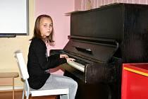 Všestranně talentovaná Anežka Koudelková se kromě hry na hudební nástroje věnuje také literární tvorbě a tanci.