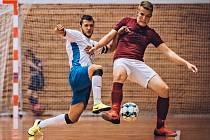 V úvodním utkání východní skupiny II. ligy porazili futsalisté Amoru Kloboučky Vyškov (bílé dresy) Ferram Opavu 6:0.