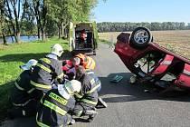 Zranění řidičky si vyžádala havárie, která se stala ve čtvrtek odpoledne krátce před čtvrtou hodinou u rybníka na katastru Rostěnic-Zvonovic.