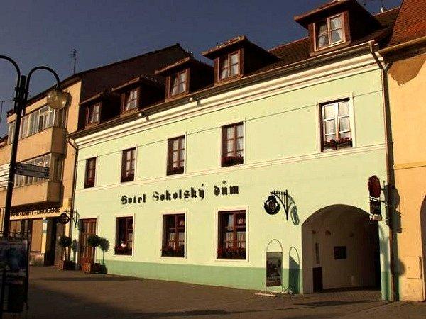 Hotel Sokolský dům ve Slavkově u Brna.