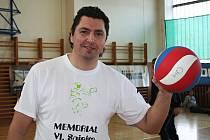 Trenér a manažer volejbalistů Sokola Bučovice, kteří hrají druhou ligu, Zbyněk Čížek.