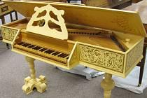 Podle majitele klavírní sbírky Jiřího Berčíka člověk hudbu potřebuje.