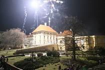 Ve Slavkově připravili na poslední den v roce tradiční ohňostroj.