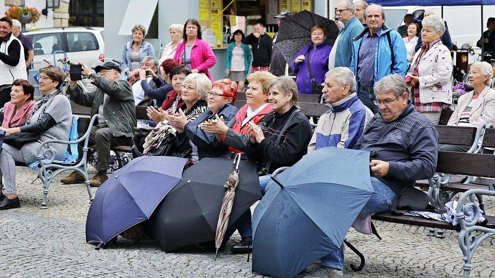 Koncert Vacenovjáků dne 16. července potěšil obyvatele Vyškova.