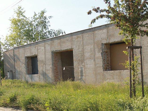V části někdejšího závodu firmy Chemoplast v Bučovicích vzniknou byty.