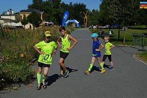 Anežka a Matěj Halasovi zdolali trať o délce jeden kilometr.