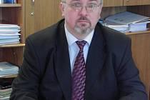 Jan Marek tvrdí, že firmy mohou na starších a zkušených zaměstnancích jedině vydělat.