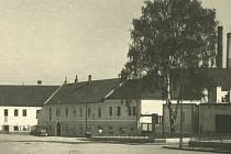 Karel Kachyňa se narodil v domě zvaném Puglietta, který ve Vyškově stál na tehdejším Zámeckém náměstí, dnes náměstí Čsl. armády.
