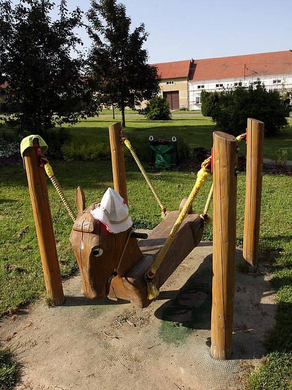 Dětské hřiště v Krásensku. Ilustrační fotografie.