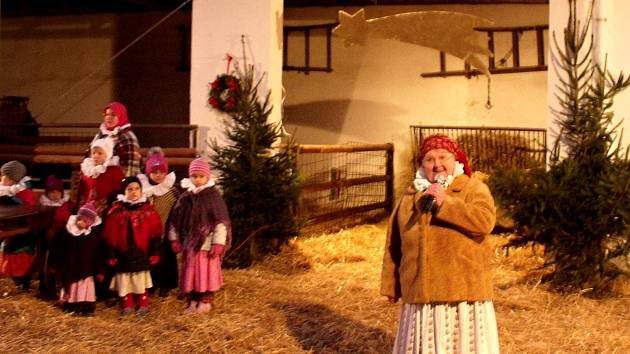 Živý betlém si mohli prohlédnout v sobotu lidé, kteří navštívili babiččin dvoreřek ve vyškovské ZOO.