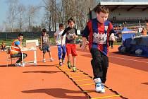 První závod letošního seriálu Čokoládová tretra mladých atletů uspořádal ve Vyškově klub AHA.