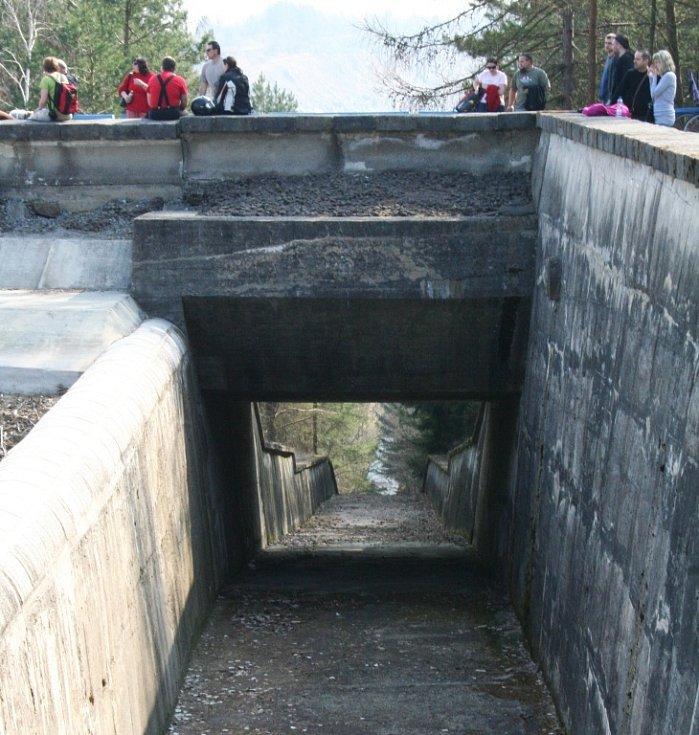 Den otveřených dveří na Opatovické přehradě.
