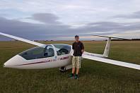 Všechny problémy nechávám na zemi, říká letec Michal Vrána