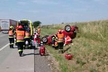Nepříjemnou zkušenost za sebou má řidička osobního auta, která v pondělí o půl desáté dopoledne havarovala na dálnici D1 mezi Velešovicemi a Holubicemi na Vyškovsku.