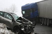 Nehodu na Zouvalce odnesla zraněním šestatřicetiletá žena.