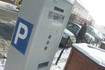 Parkování ve Slavkově u Brna.