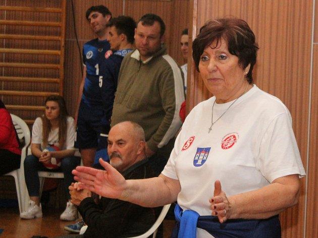 Volejbalistky Sokola Bučovice dovedla na práh krajského přeboru I. třídy trenérka Vlasta Čížková.