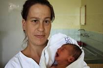 Zuzana Polášková s maminkou Danou Poláškovou, 48 cm, 2,890 kg, 7. srpna 2009, Vyškov.