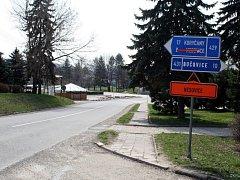 Řidiči jedoucí od Vyškova se v několika následujících měsících na silnici I/50 přes Nesovice nedostanou.