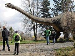 Vyškovský dinopark zahájil desátou jubilejní sezonu. Otevřený bude zatím pouze o víkendech.