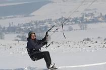 Zatím co sněhovou nadílku z pravidla nedokáží docenit řidiči, tak Zdenek s Marcelou si jdou konečně užívat zimu.
