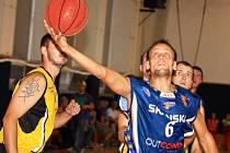 Basketbalový Lišákův turnaj mužů vyhrálo ve Vyškově B mužstvo Prostějova před domácím BK Vyškov.