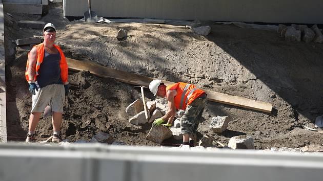 U Velké Bíteše opraví dálniční most, na D1 vymění povrch