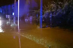 Noční bouřky zaměstnaly hasiče.