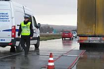 Policejní kontrola na rychlostní silnici R46.